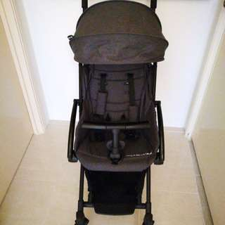 Tavo Stroller in Dark Grey