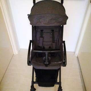 Tavo Stroller in Dark Grey