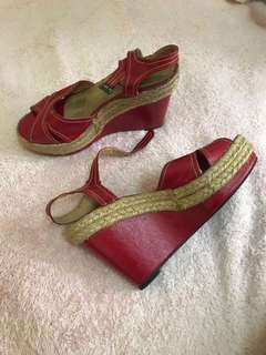 SHOEBOX red sandals
