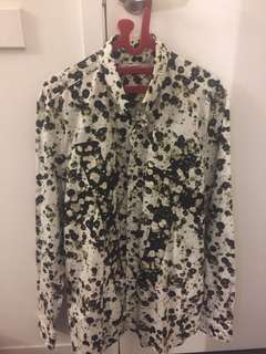 givenchy shirt floral *rare* only ppl who know abt givenchy ( retail price AUD 1280)