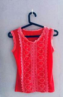Red fitting sleeveless lace top