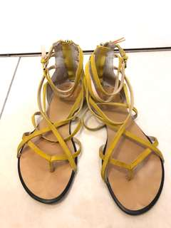 Joe's Yellow gladiator size 37