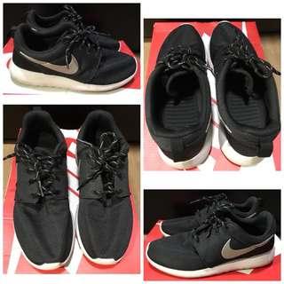 Nike Women Roshe One Running BLACK 511882-094