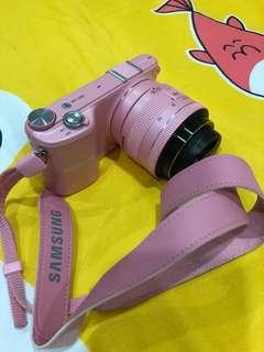 Samsung pink NX2000