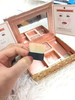 Brush benefit (free box & blush)