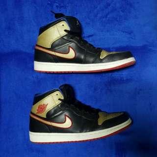 Jordan 1 Black, Gold, & Blue size 9.5 US