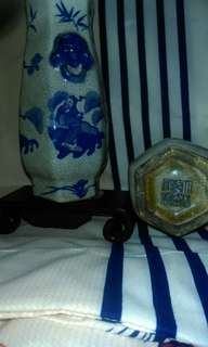 Pair of blue and white Qianlong hexagonal