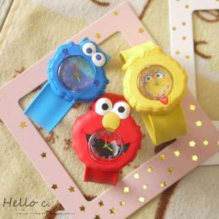 BMT419 - Sesame Street Hit and Curl Analog Watch