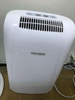 美國Frigidaire15L節能清淨除濕機(FDH-1501YA)