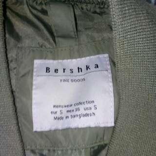 Bershka bomber jacket small cn fit to medium