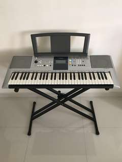 Yamaha PSR-E323 Portable Keyboard Piano with Stand