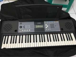 Yamaha keyboard psr E233