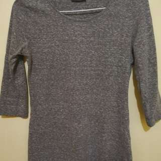 Preloved Gray 3/4 Top