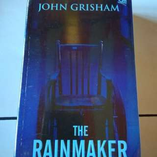 Buku/novel The Rainmaker by John Grisham