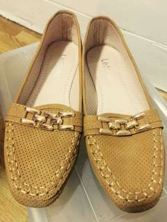 Brand New Le Donne Brown Loafers