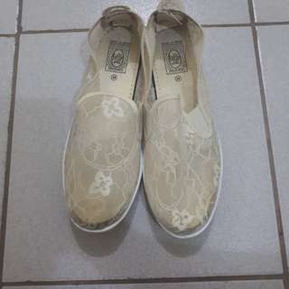 Flossy style Original White embroidery Shoes
