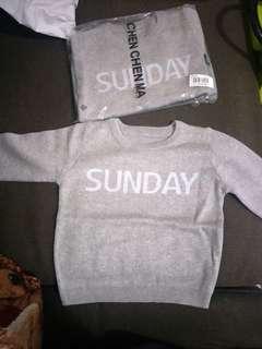 🚚 SUNDAY灰色薄毛衣