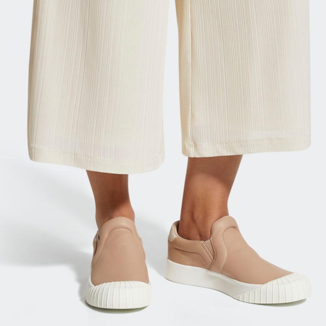 95898136e6d Authentic Adidas Originals Everyn Slip-On Women s Ash Pearl
