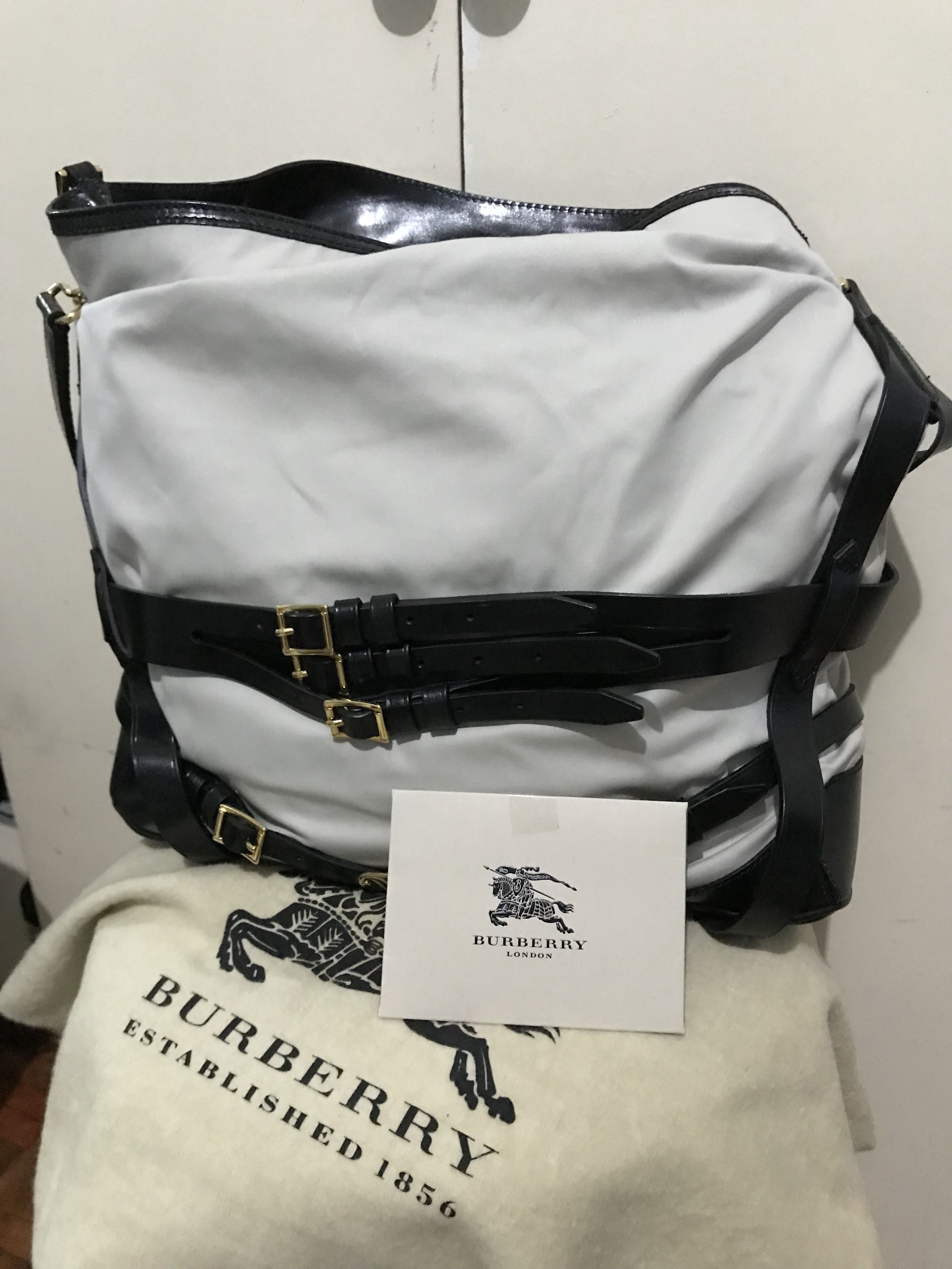 92e079d162d5 Authentic Burberry Gosford Bridle Hobo Tote Women S Fashion Bags