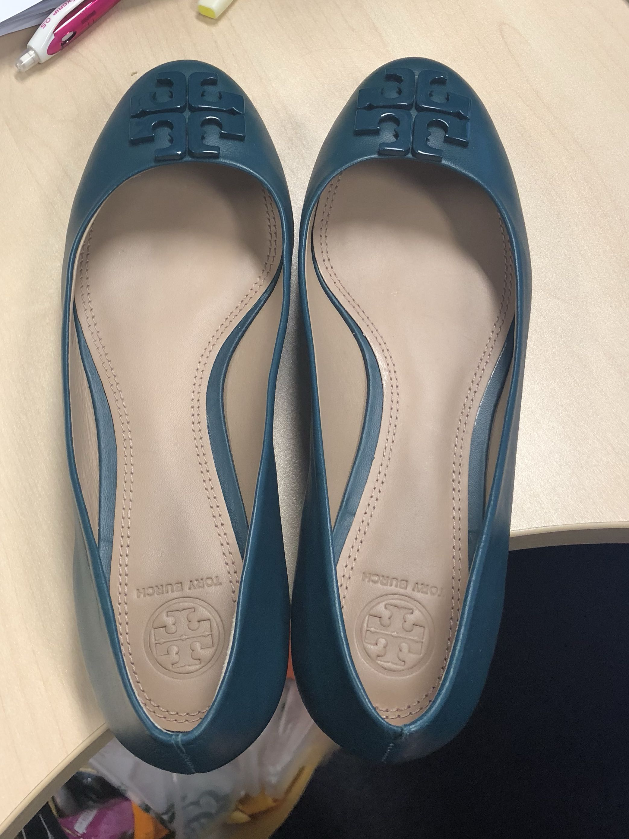 bd0f49172 Authentic Tory Burch flats in Green for same