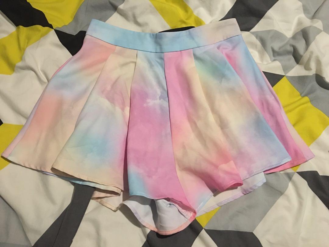 Coloured shorts size 8