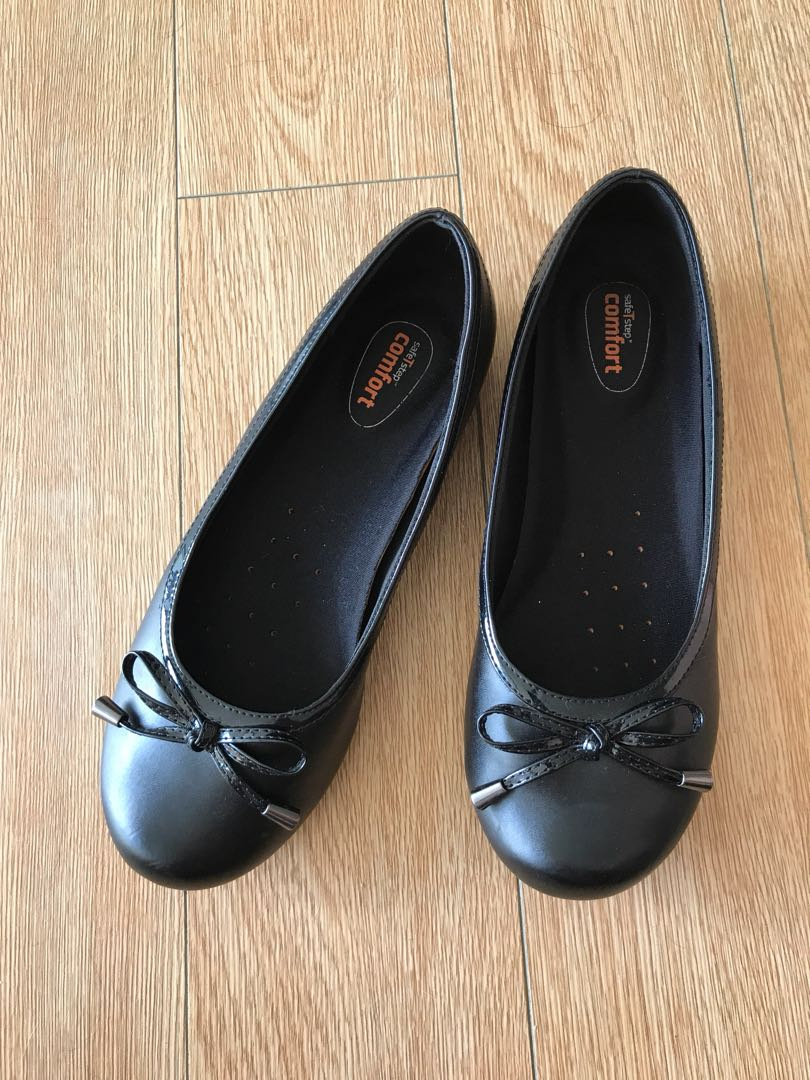 Comfort ladies 7.5 black faux leather flats shoes