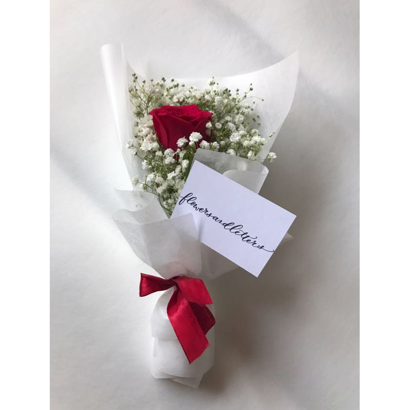 Fresh Flower Bouquet fresh red rose flower and white baby\'s breath ...
