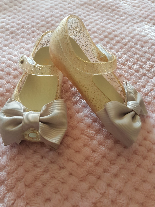 Gold rubber sandals
