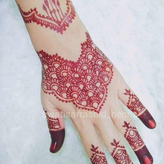 Henna Design Women S Fashion Bridal Wear On Carousell