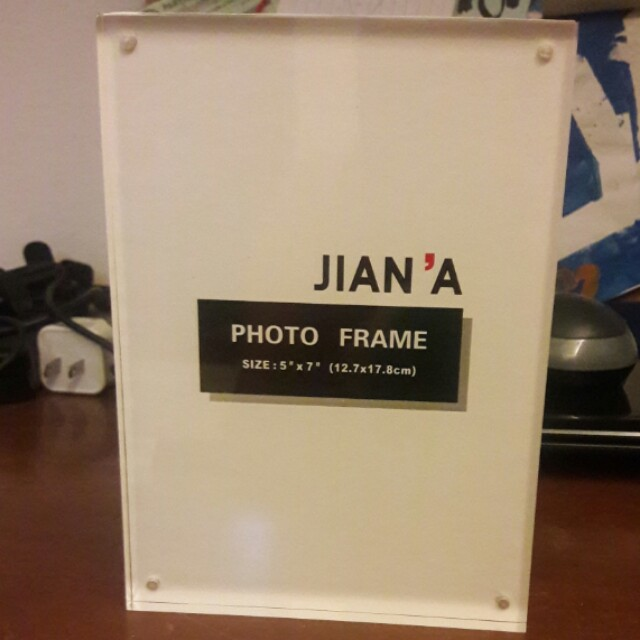 Magnetic Clear Picture Frame