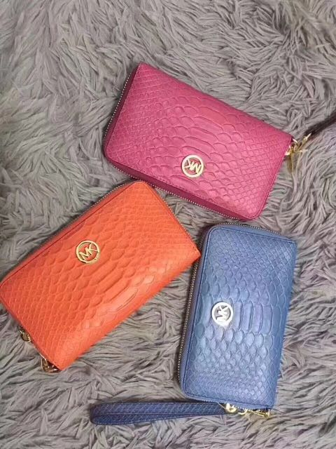 premium selection f6fa4 4013f Michael kors Women's Wallet/Wristlet Can put iPhone Plus Pink and Blue  Authentic Instock