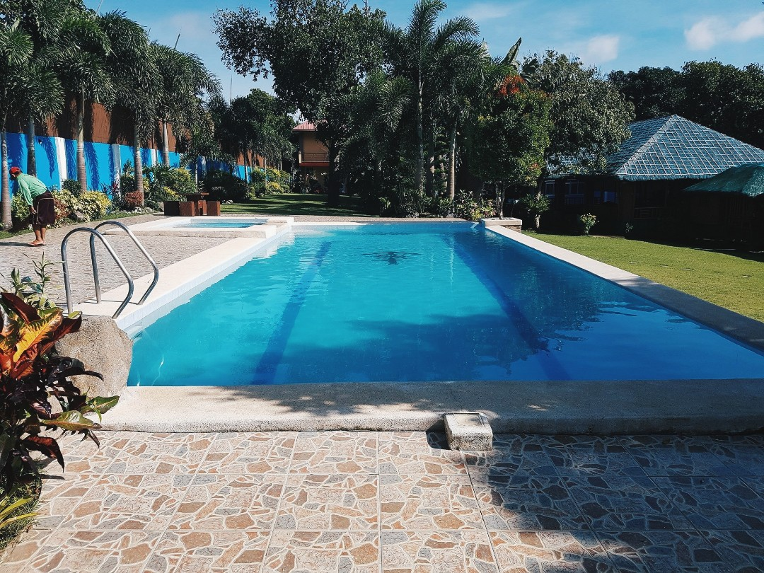 Monlyn's Private Pool  Rent an exclusive resort in Tagaytay! on