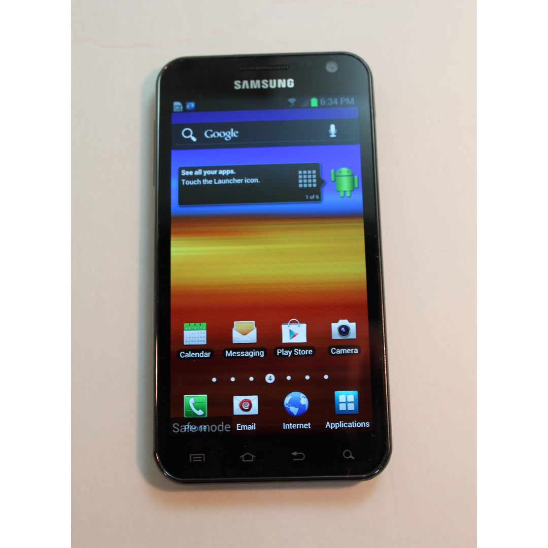 Samsung Galaxy S II with Case & Charger