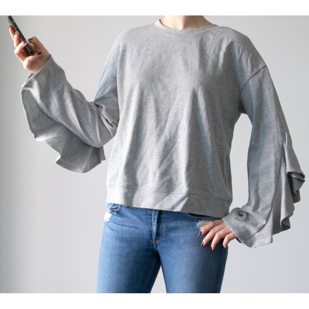 Who What Wear Large Ruffle Pullover Crewneck Sweatshirt gray Blouse Top sweater