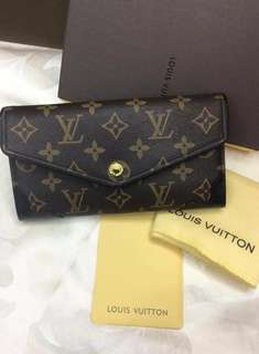 RUSH SALE!! Authentic LV long walltet (ONHAND)