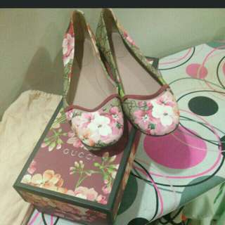 Authentic blossom Gucci flat shoe