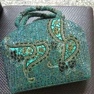 全新特價出清手工設計串珠高質感手提包宴會包