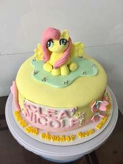 Customized cake @pinkboxesph