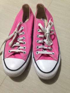 Authentic Converse Pink Size 7 Slightly Used