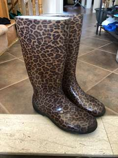 Rain boots - Size 7.5 💦☔️