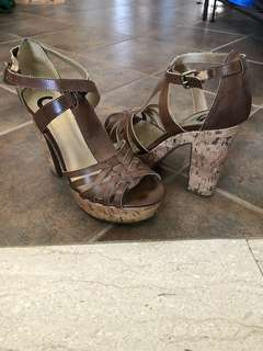 Guess platform heels - Size 7.5