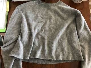 BRANDY MELVILLE GREY CROPPED SWEATER