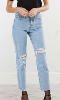 Levi's Wedgie Kiss Off Jeans
