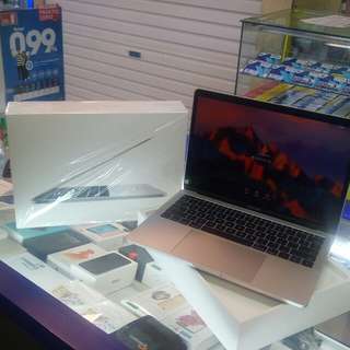 Kredit macbook MQD32 proses cepat.