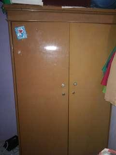 lemari kayu minimalis