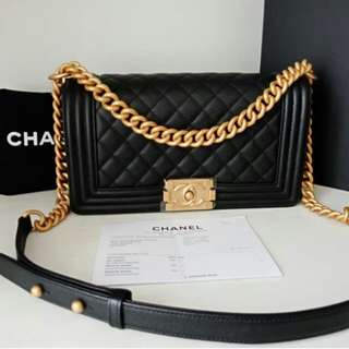 👉NEW - CHANEL BOY MEDIUM Black Caviar Ghw # d