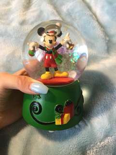 Mikey mouse snow ball chirstmas theme