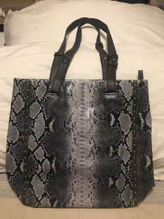 Tote bag, mint condition