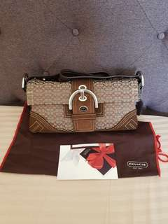 Authentic Coach small handbag from U.S ❤