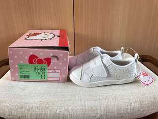 New (with tag) Bata Hello Kitty school shoes